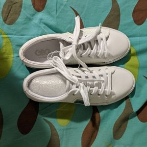 Women g by guess sneakers in size 8.5